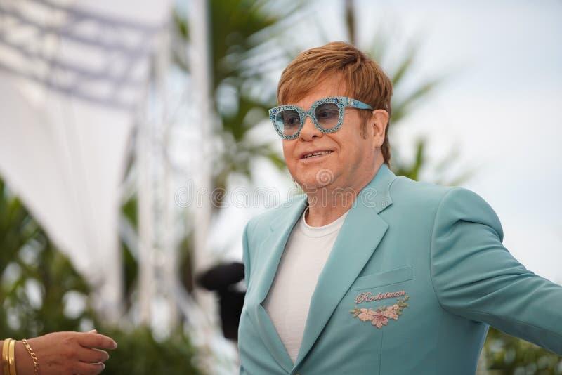 Elton John deltar i photocallen för royaltyfria foton