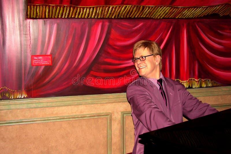 Elton John no Musée Grevin imagens de stock