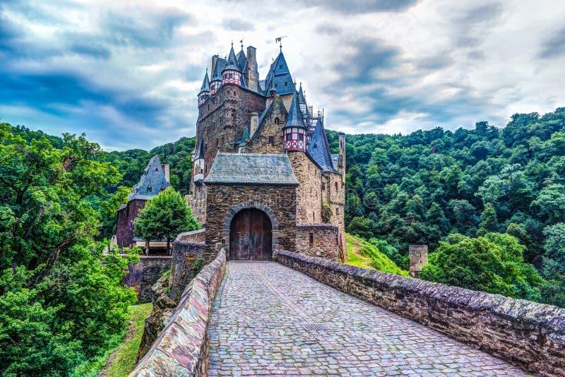 Eltz城堡在莱茵河流域巴列丁奈特,德国 图库摄影