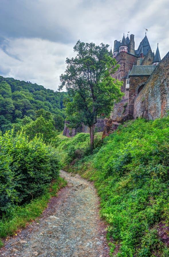 Eltz城堡在莱茵河流域巴列丁奈特,德国 免版税库存图片