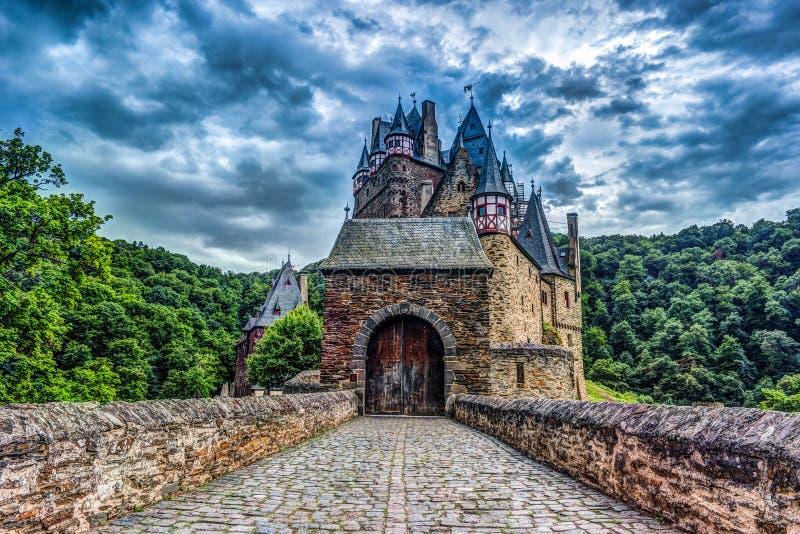 Eltz城堡在莱茵河流域巴列丁奈特,德国 库存照片