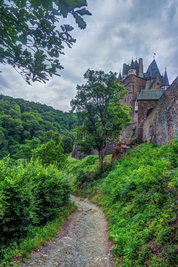 Eltz城堡在莱茵河流域巴列丁奈特,德国 免版税图库摄影