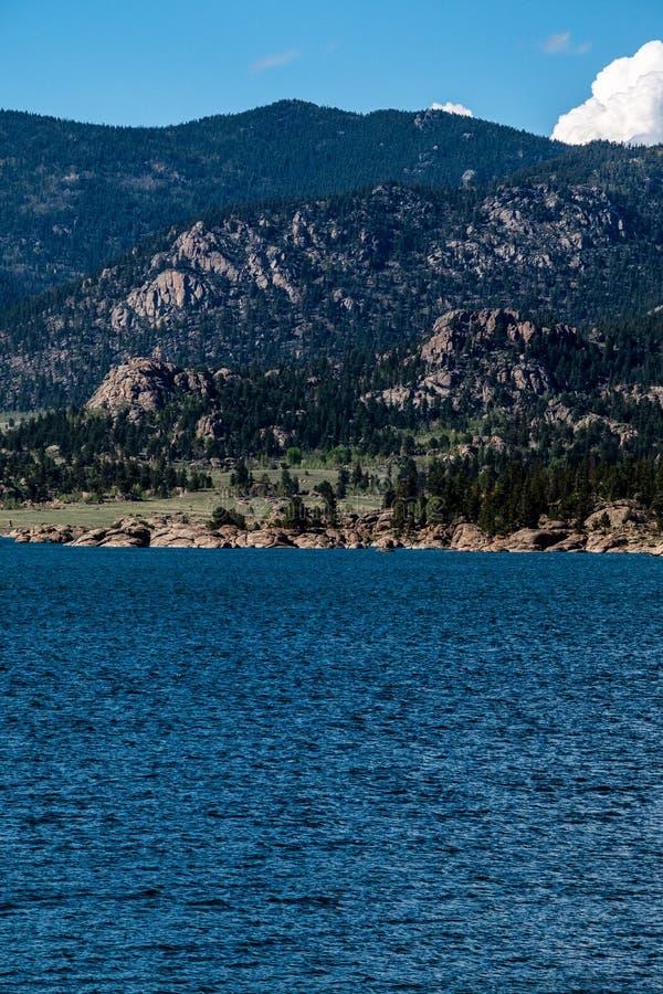 Elva mil delstatsparken Colorado för sjöbehållaren landskap arkivfoto