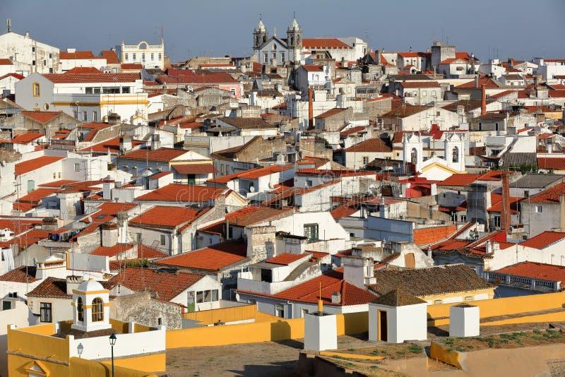 ELVAS, PORTUGAL : Vue de la vieille ville des murs de ville images stock