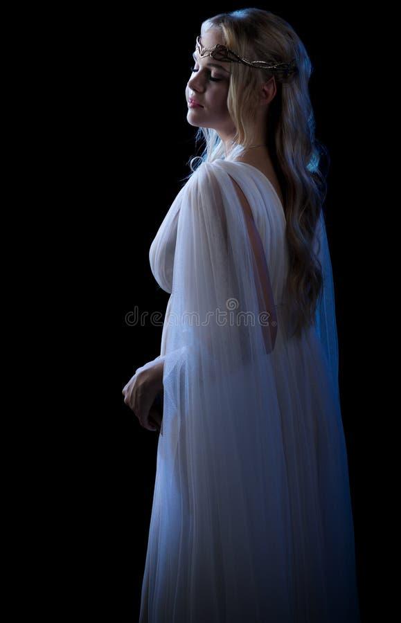 Elven-Mädchen lokalisiert stockfoto