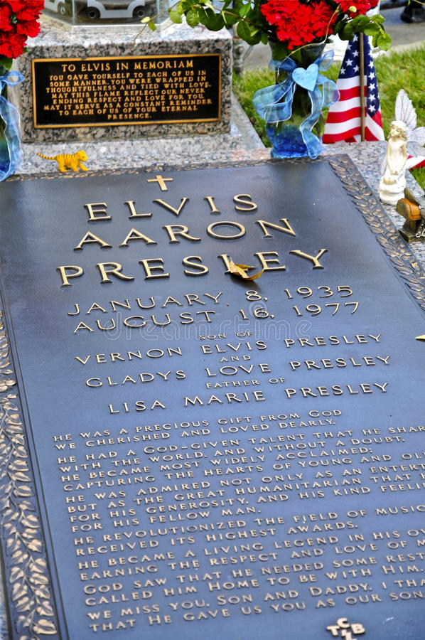Elvis Presleys Gravesite at Graceland royalty free stock photo