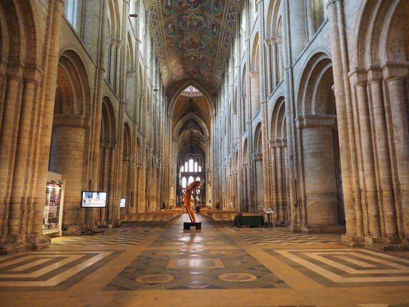 ELY, GROSSBRITANNIEN - CIRCA IM OKTOBER 2018: Ely Cathedral (früher Kirche von St. Etheldreda und St Peter und Kirche vom heilige stockfotografie