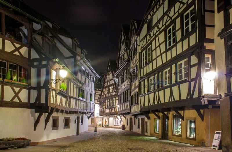 Elzassische stijlhuizen op Petite France -gebied van Straatsburg stock foto's