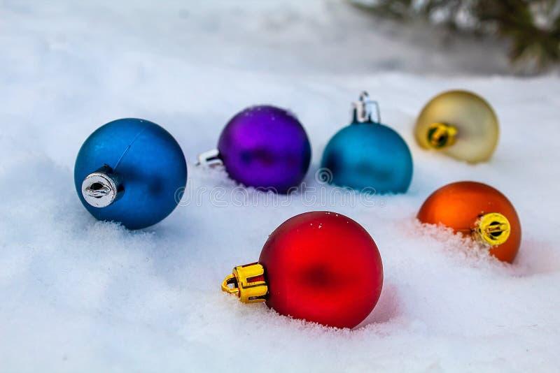 Em antecipação a um feriado fabuloso O ano novo está esperando imagens de stock
