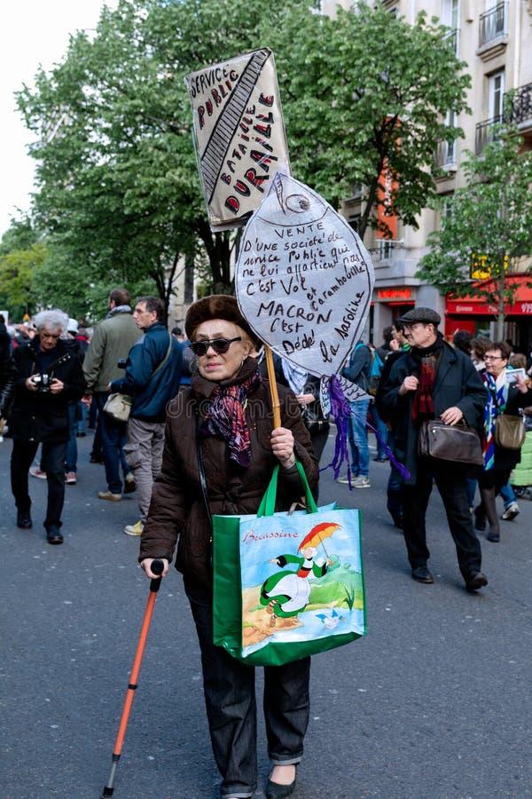 Em maio de 2018 - anti protesto de Macron em Paris imagens de stock royalty free