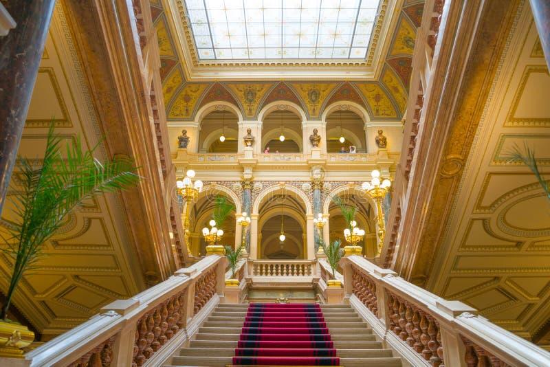 Em maio de 2019, Museu Nacional em Praga, República Checa foto de stock royalty free
