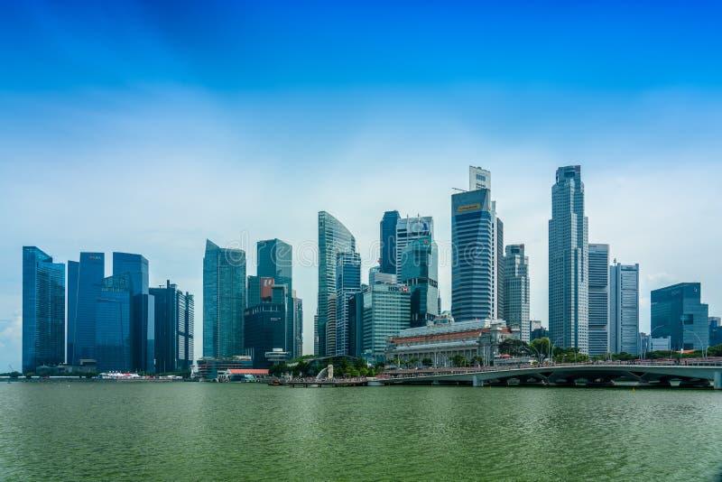 Em Marina Bay, esplanada foto de stock
