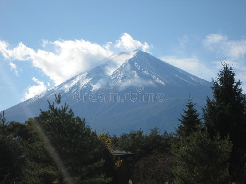Em nossa maneira a Monte Fuji fotos de stock royalty free