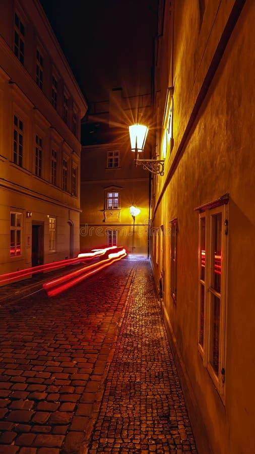 Em ruas de Praga imagens de stock