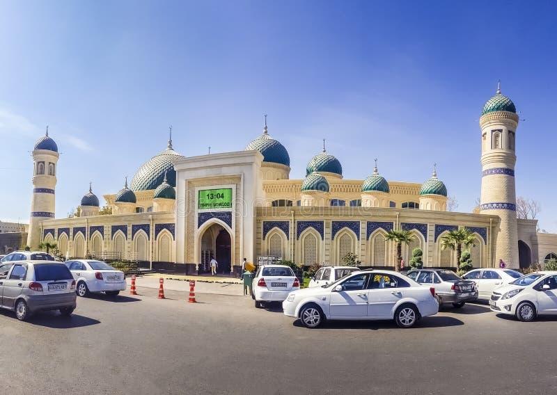 Em setembro de 2018, Usbequistão, Tashkent, construção da mesquita principal muçulmana da catedral de Burizhar foto de stock
