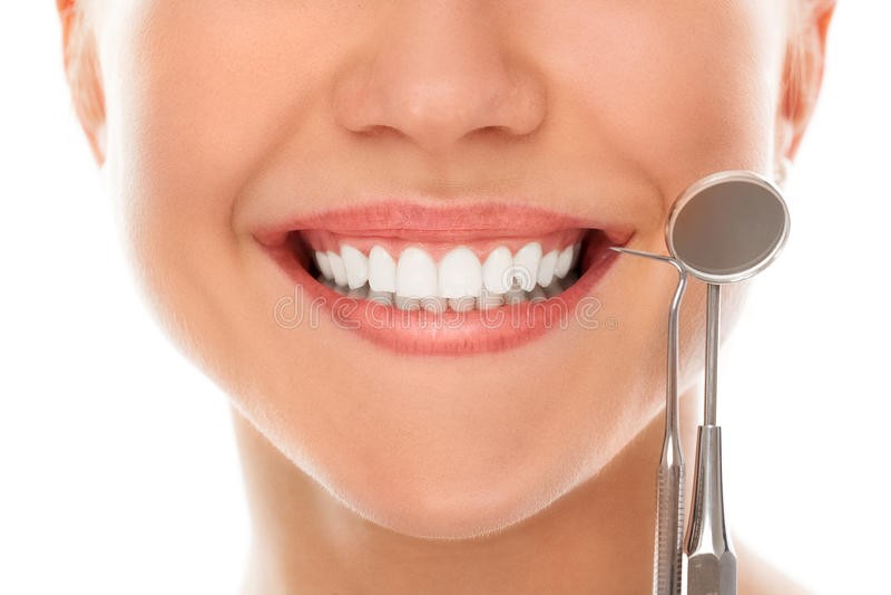 Em um dentista com um sorriso fotos de stock