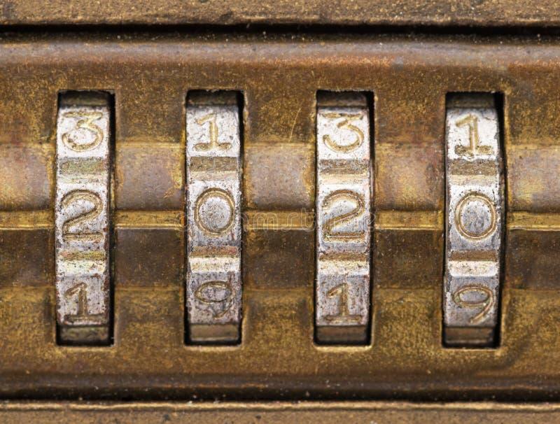 2020 em um fechamento de combinação de bronze velho foto de stock royalty free