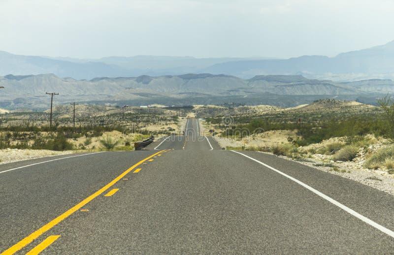 Em uma estrada só em Texas foto de stock
