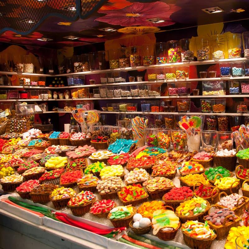 Em uma loja dos doces imagem de stock