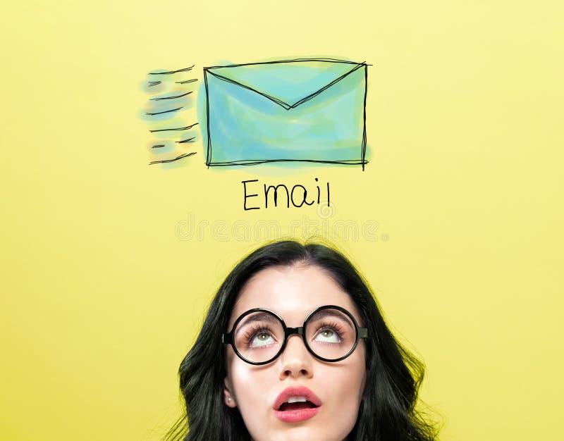 Email z m?od? kobiet? zdjęcia royalty free