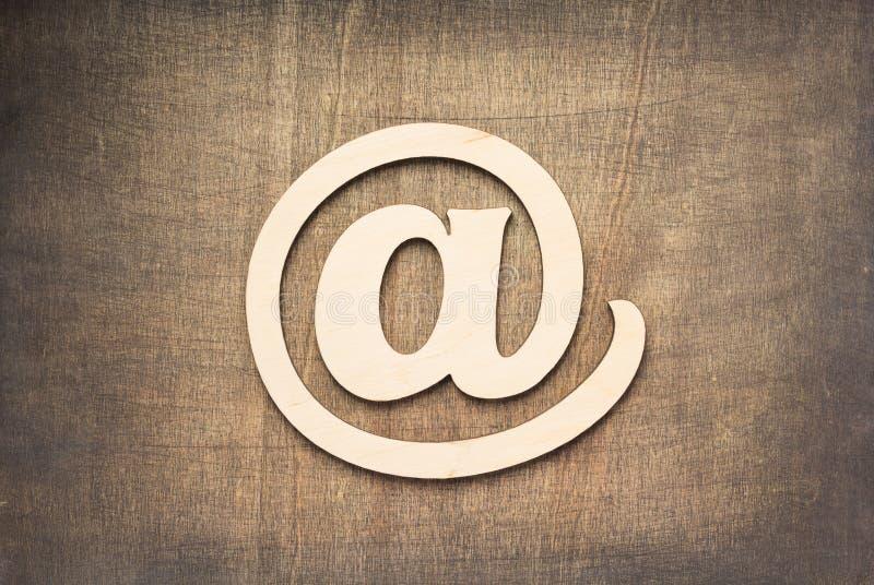 Emaila drewniany symbol zdjęcia royalty free
