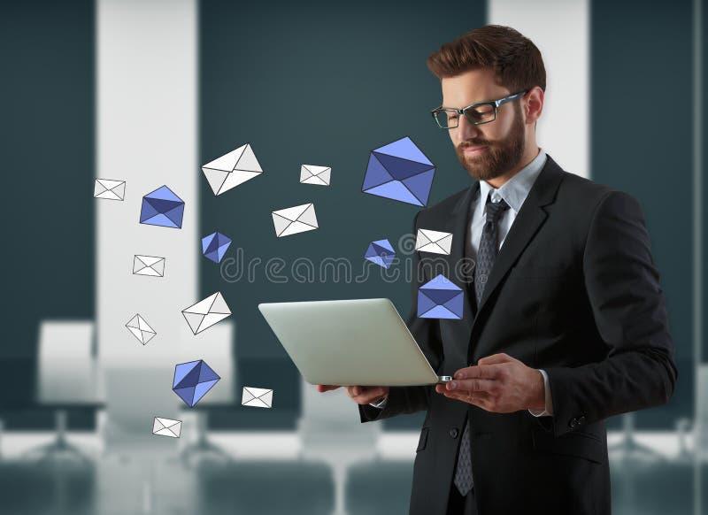 Emailinformationsbladbegrepp royaltyfria bilder