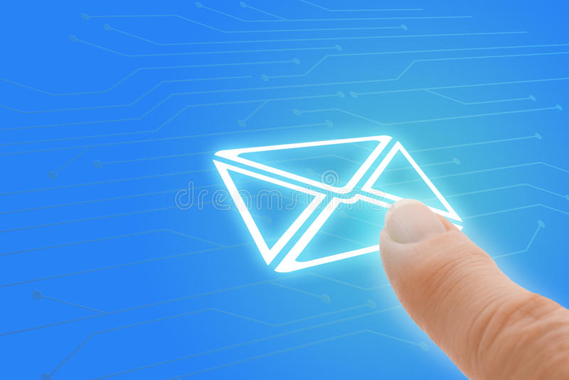 Emailpekskärmfinger som pekar till kuvertet Ico royaltyfria bilder