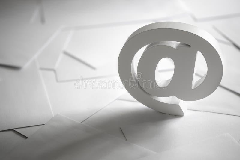 Emailsymbol fotografering för bildbyråer