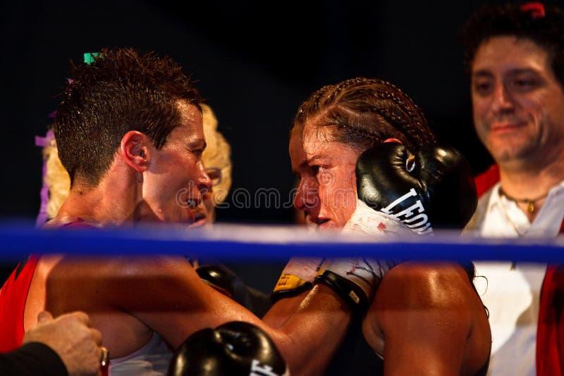 Emanuela Pantani versus Bettina Garino - WBA BOXE royalty-vrije stock afbeelding