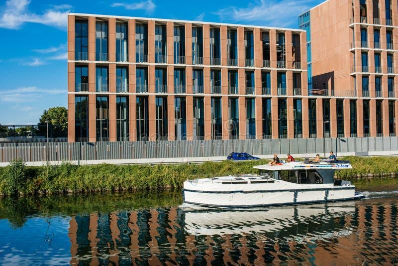 Embaixada turca no iate luxuoso do barco da construção de Strasbourg fotos de stock royalty free