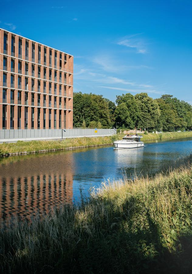 Embaixada turca no iate luxuoso do barco da construção de Strasbourg foto de stock