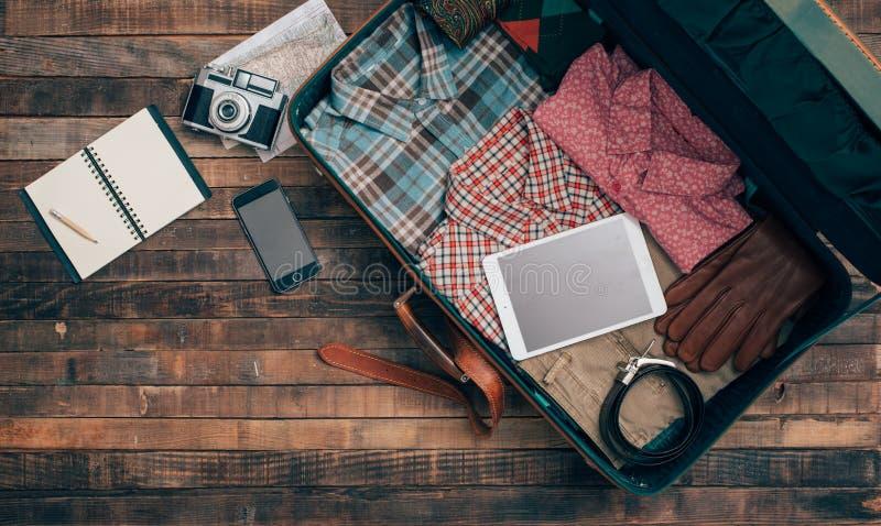 Emballage de voyageur de hippie photos stock