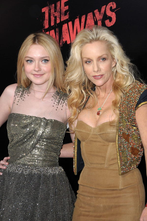 Emballements, les emballements, Cherie Currie, Dakota Fanning images stock