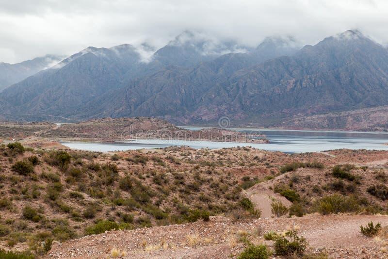 Embalse Potrerillos le Ande Argentina fotografia stock libera da diritti