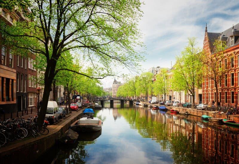 Embanlment dell'anello del canale, Amsterdam fotografie stock