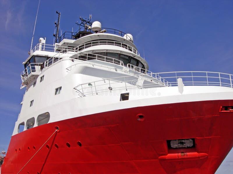 Embarcação da fonte para plataformas petrolíferas imagens de stock
