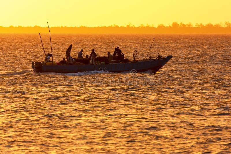 Embarcação tradicional do ofício da pesca do Dhow fotos de stock