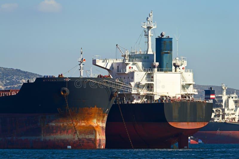 Embarcações de carga imagens de stock