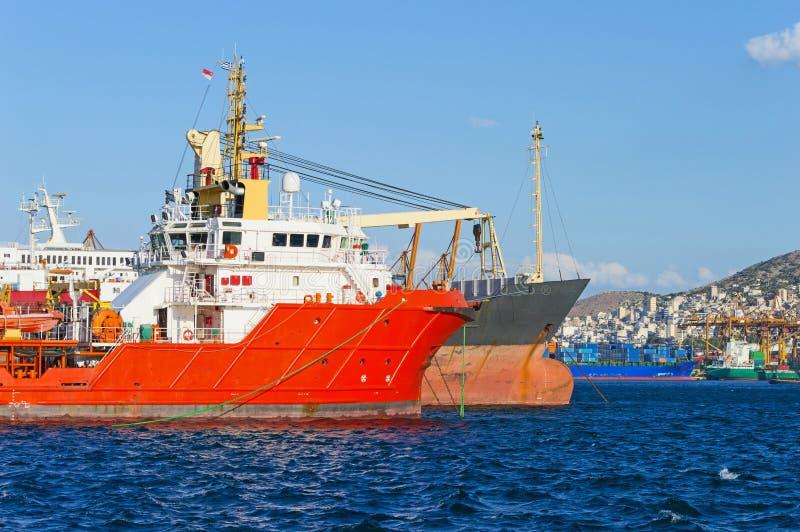 Embarcações no porto imagens de stock