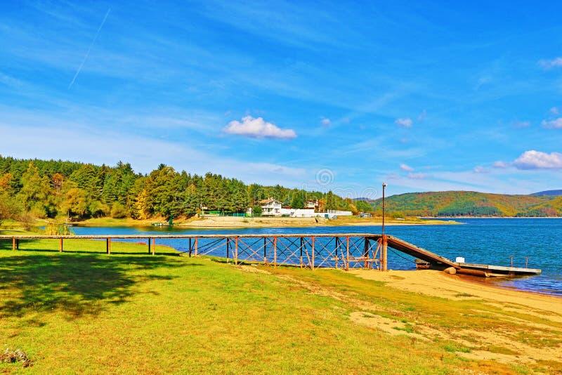Embarcadero Bulgaria del lago Iskar fotografía de archivo