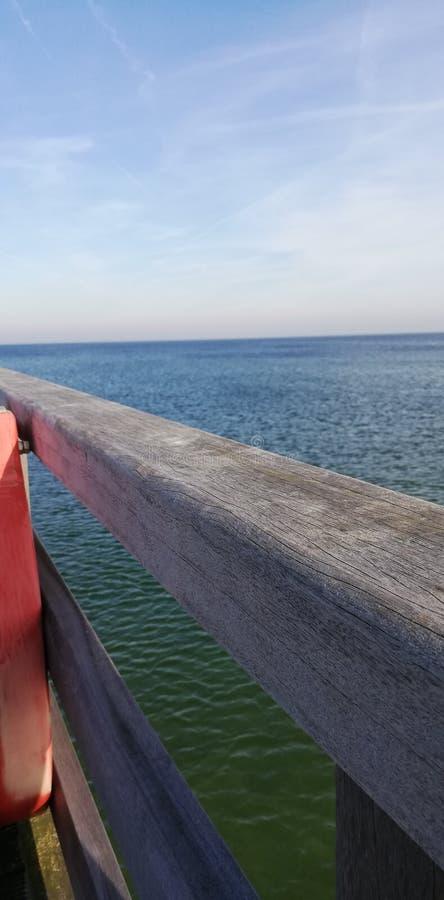 Embarcadero con el eastcoast de Kiel foto de archivo