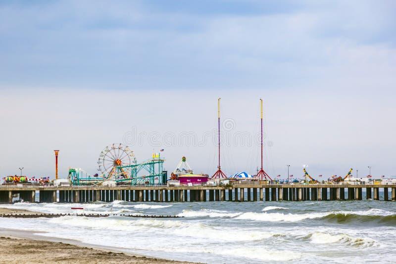 Embarcadero de acero, parque de atracciones primero de Atlantic City fotografía de archivo