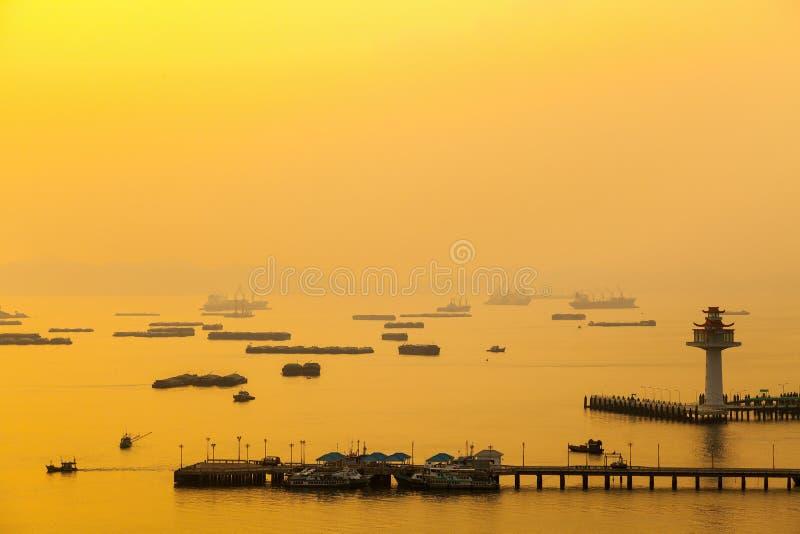 Embarcadero de la isla del srichang, provincia de Chonburi fotografía de archivo libre de regalías