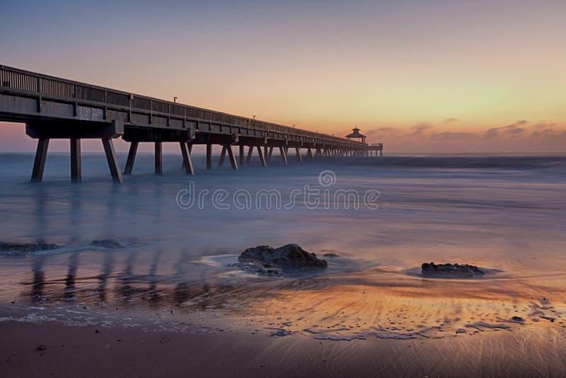 Embarcadero de la playa de Deerfield foto de archivo