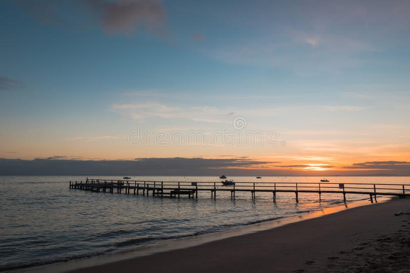 Embarcadero de la salida del sol fotos de archivo libres de regalías