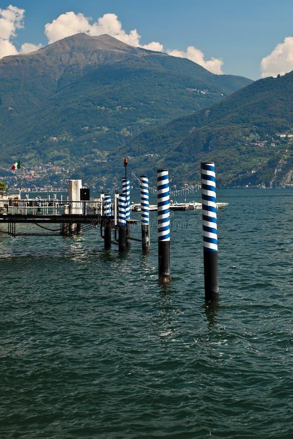 Embarcadero del barco de Lago di Como. imagen de archivo