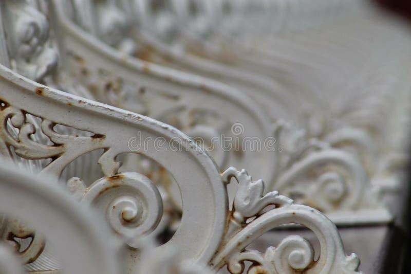 Embarcadero del norte Blackpool del asiento de las verjas victorianas del banco imagen de archivo