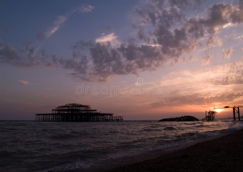 Embarcadero del oeste en la puesta del sol fotos de archivo