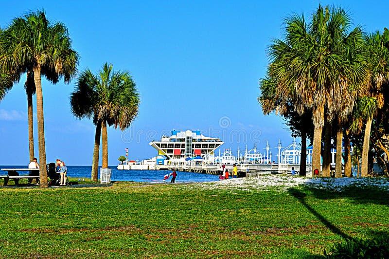 Embarcadero del St Petersburg, la Florida foto de archivo libre de regalías