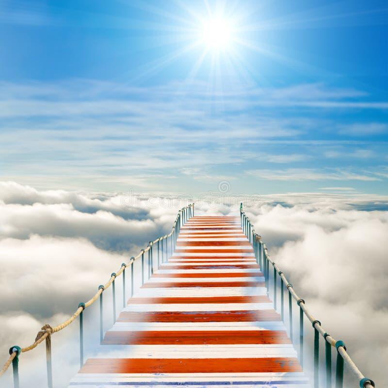 Embarcadero en cielo imagen de archivo